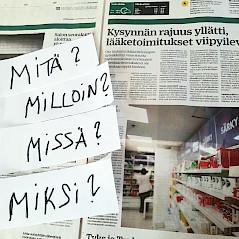"""Sanomalehti jonka päällä on kysymyslaput """"mitä - milloin - missä -miksi"""" uutisista keskustelun avuksi"""